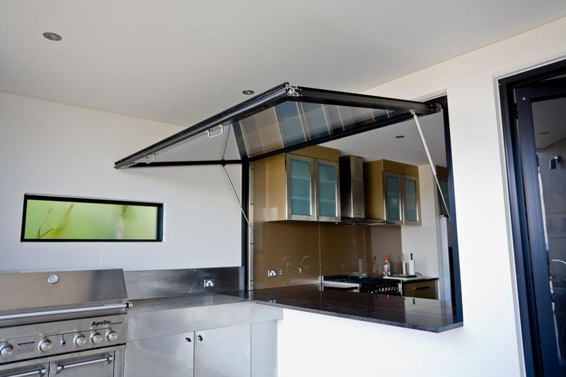 Gas-Strut Window